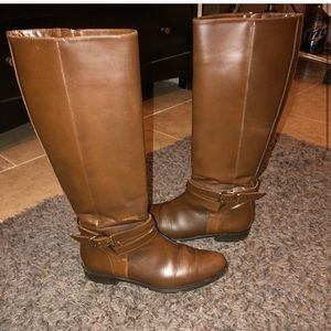 Saved bundle Burberry boots and blue/blk heels